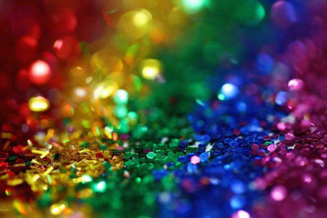 虹色のスパンコールの画像
