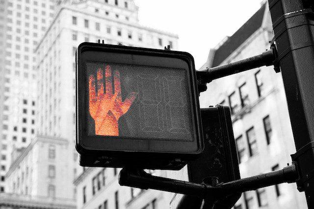 欧米の「止まれ」信号
