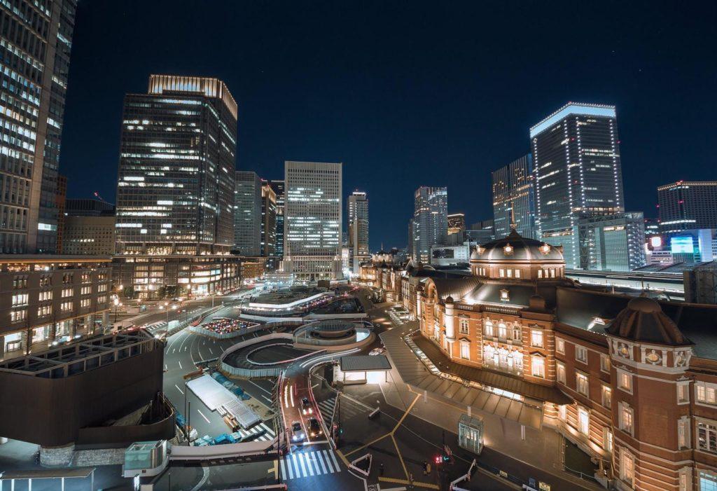 東京駅周辺のビルの画像