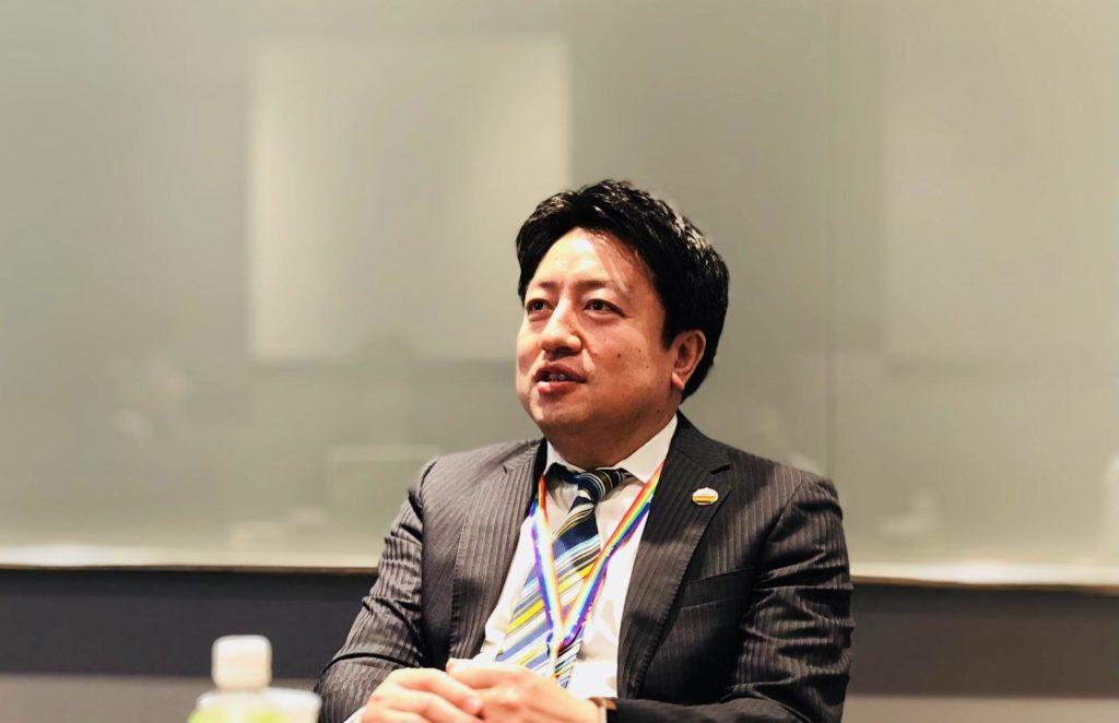 東田さんの上司 佐々木さんが話している画像