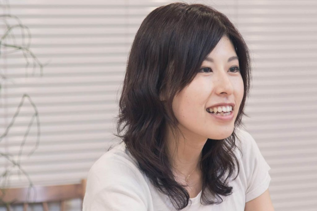 吉村さんが話している画像