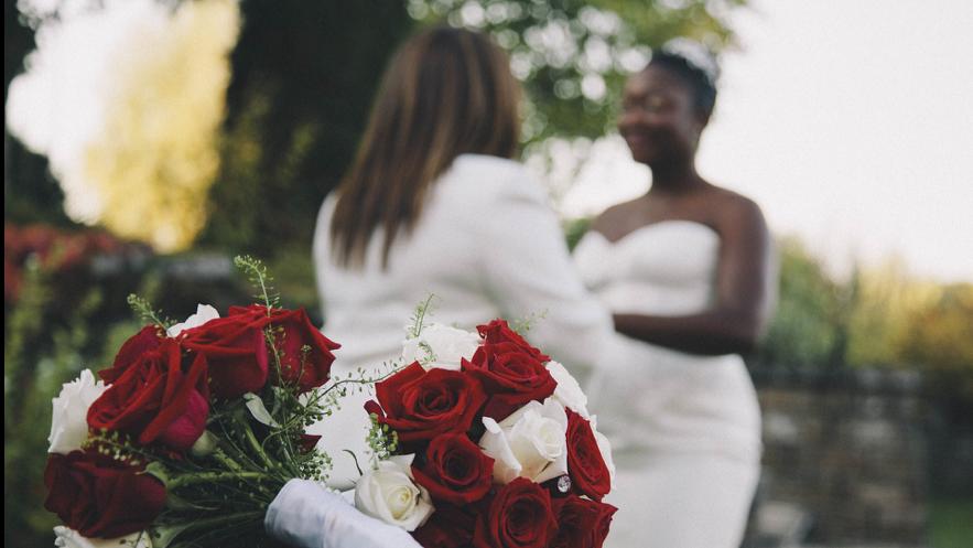 女性カップルの結婚式