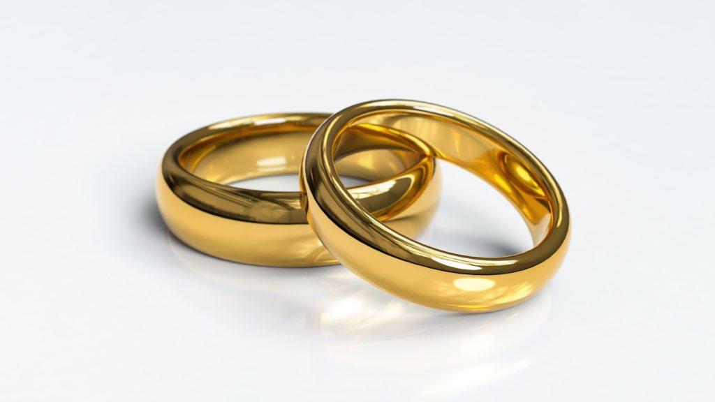 2つの指輪の画像