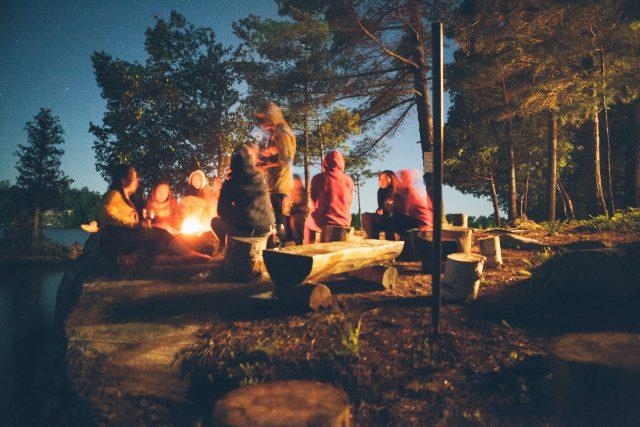 キャンプファイアの画像