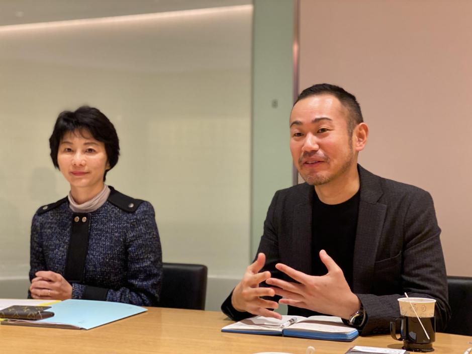 インタビューに答える矢寺さんと白澤さん