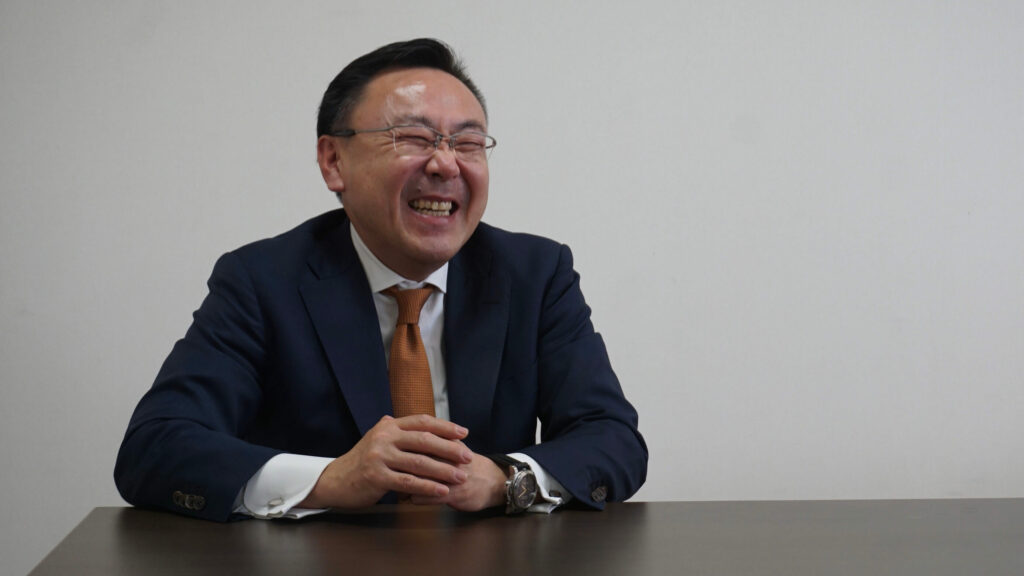 笑顔の黒川社長